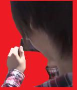 撮影するキモオタ平野(後ろ向き)