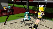 公園で元気に遊ぶ