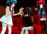 映画館にて(メイド〇ンアビ〇)