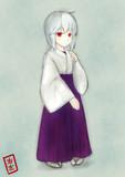 赤い目の巫女さん
