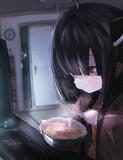 夜中にカップ麺を食べるきりたん。