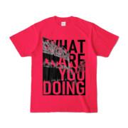 Tシャツ | ホットピンク | 何してるColosseo