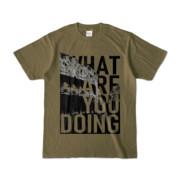 Tシャツ | オリーブ | 何してるColosseo