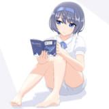 本を読むつづみちゃん