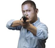 ライフルを構えるMURさん