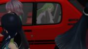 助手席から後部座席に移動している長月(人形)