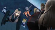 落水した菊月(人形)を助けようとするU-511