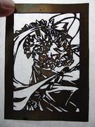 金属の板で衣玖さんの切り絵