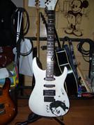 TATUYA KAGOEモデルのギター作ったった