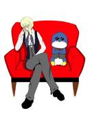 ソファーに座る璃瑞&ポセイ首領(ペンギン)
