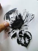 【切り絵】 蜻蛉と向日葵