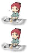 インスタント焼きそばのお湯を捨てようとしたら、麺も一緒に流れてしまった杏子ちゃん