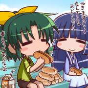 やきそばパンを食べるなおちゃん