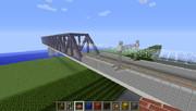 土手と鉄道橋