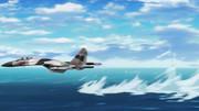 水面スレスレを飛ぶSu-35