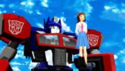 既存モデルのパーツの組み合わせで作ったオプティマス・プライム風ロボットと春香さん