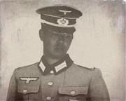 ドイツ軍兵士と化した先輩