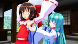 早苗さんが霊夢ちゃんの脇を襲う!