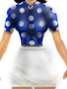 青いシャツ(ブラウス)と白いスカート
