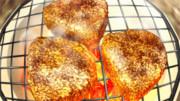 焼きおにぎりを焼き続けるGIF