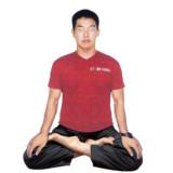 瞑想する今田耕司改.png
