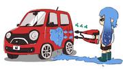イカみたいな車を洗車するイカ