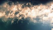 夕日に雲雲雲