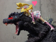 美少女と怪獣王