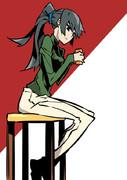 お茶飲み巫女。(私服)