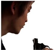 拳銃を持ったKMYM.png