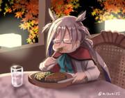 武蔵の真似をしてビフテキを食べる清霜