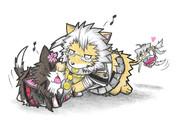 じゃれ合う大和子ネコと武蔵子ライオン