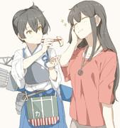 餃子を食べてる大和煮さんのコスプレをした赤城さん