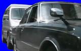 黒塗りの高級車withマツダ・ボンゴBB