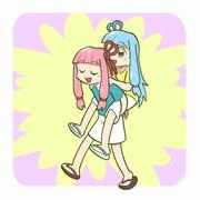 妹をおんぶする茜