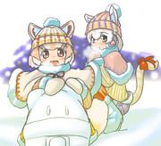 雪遊びイエイヌちゃんとイエネコちゃん