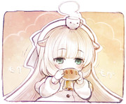パンを食べるメリーミルクちゃん
