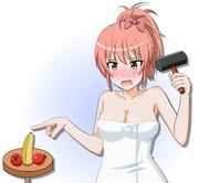 バナナとミニトマトで謎の練習をする城ヶ崎美嘉