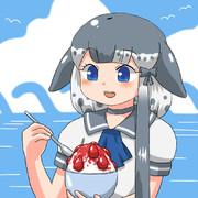かき氷を食べるイッカクちゃん