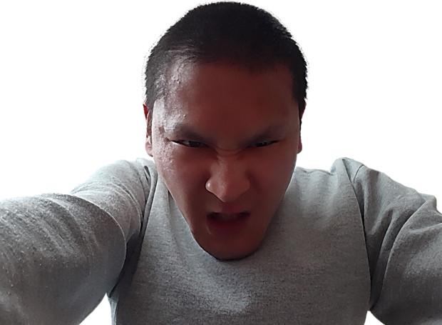 【自撮り画像】壁ドン!