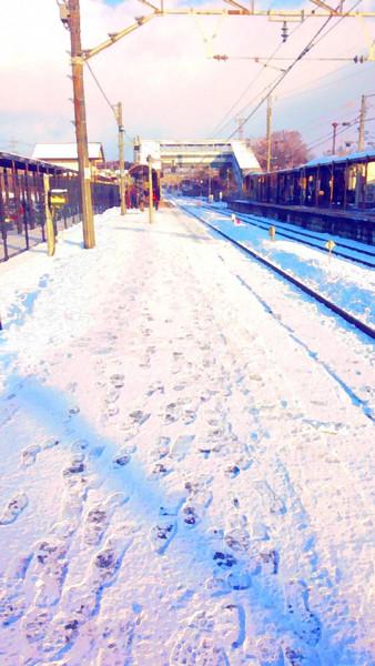 (著作権フリー)冬の田舎の無人駅ホーム