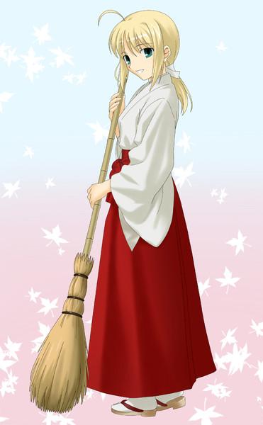 巫女セイバー