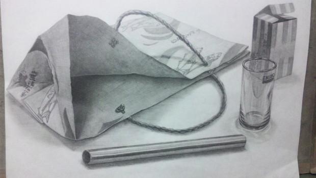紙袋、スチール棒、グラスの構成