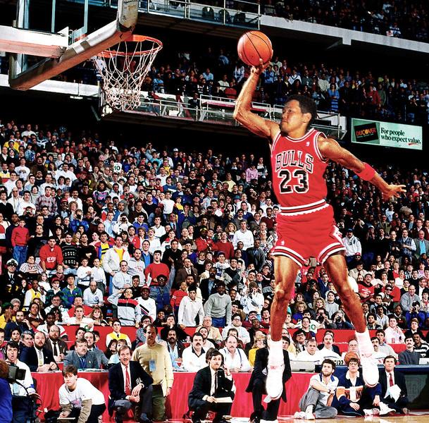 バスケットボールの神様と化した先輩.jpg