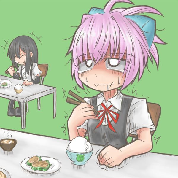 周りが食べてて我慢してピーマン食べて顔めっちゃしかめる不知火