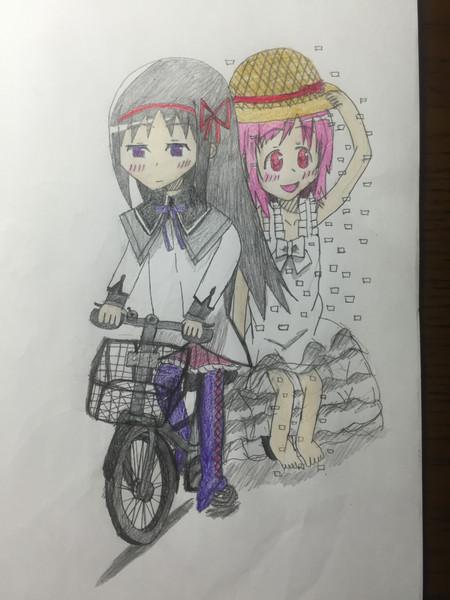 自転車に乗るほむら&魔獣マドカ