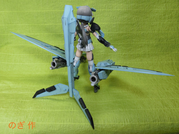 火力支援機 ランサーちゃん 背面