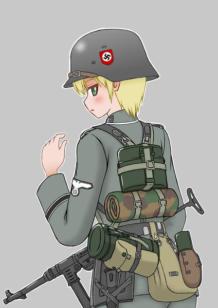 ドイツ兵、後ろ姿
