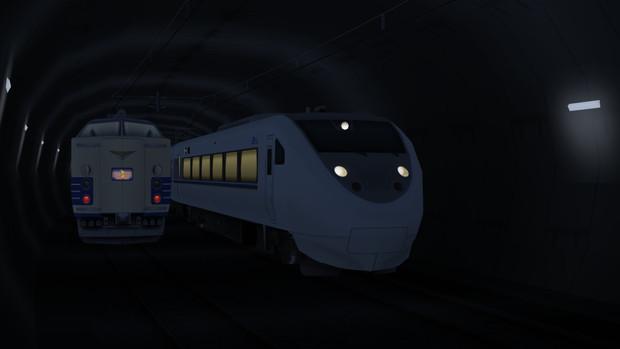 トンネル内を走行する681系と583系